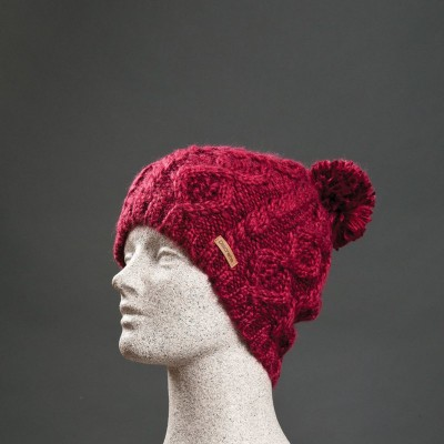 Discrete Splay Women's Beanie Red